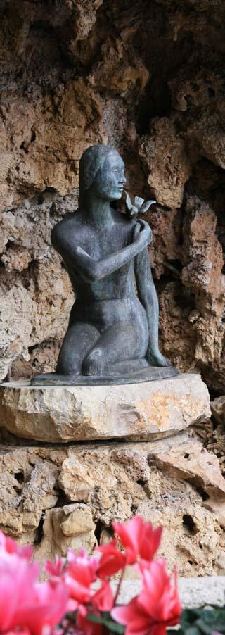 Monaco statue
